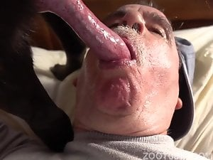 K9 ZOO GUY HUNGRY FOR SUCKING DOG COCK DRINKING DOG CUM